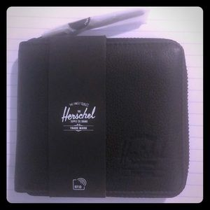 Herschel Walt Wallet Black Pebble Leather